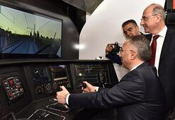 """Dünya demiryolu sektörünün uluslararası zirvesi """"Eurasia Rail 2017"""" fuarı açıldı"""
