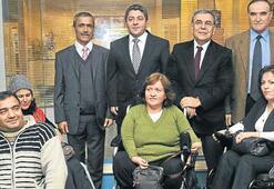 Başkandan engelli derneğine ziyaret
