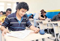 20 bin yabancı öğrenci 800 milyon $ bırakacak