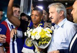 Luis Nani ist in Istanbul angekommen