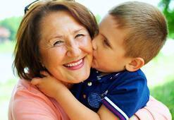 Çocuklar bakıcıya mı büyükanneye mi bırakılmalı
