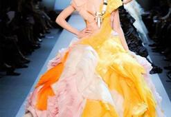 John Gallianodan sonraki ilk Christion Dior koleksiyonu