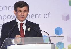 """Davutoğlu: """"Srebrenitsa için yeni bir gelecek oluşturabiliriz"""""""