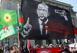 Dışişleri Bakanlığından İsviçredeki skandal pankarta sert tepki