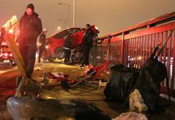 Unkapanı Köprüsünde otomobil balık tutanların arasına daldı