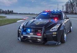 Bu polis arabasından kaçış yok