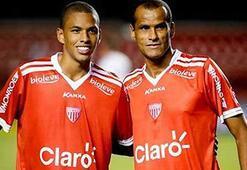 Rivaldo tarihe geçti