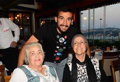 Mehmet ve Selda Topal çifti iftar düzenledi