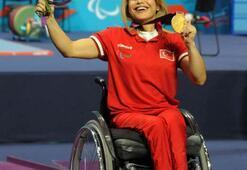Nazmiye Muratlı: Engellerimi halterle kaldırıyorum