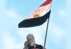 Mısır'da 30 yıllık iktidarı 20'lik GENÇLER sallıyor