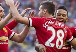 Schneiderlin attı, United kazandı
