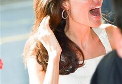 Angelina Jolie yeniden aşık oldu