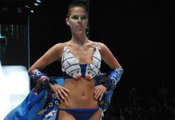 Istanbul Fashion Week Ağustos 2010 - 1. Gün | DENİZ MERCAN Backstagei ve Defilesi