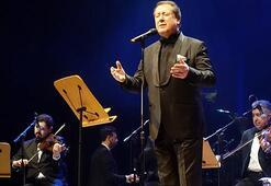 Ahmet Özhan 50. sanat yılını kutladı