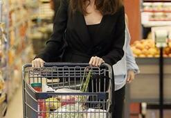 Angelina Jolie alışverişte