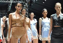 Istanbul Fashion Week Ağustos 2011 - 2. Gün | KARMA 1: Gül Ağış/Zeynep Tosun/Zeynep Erdoğan