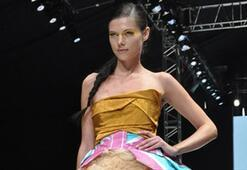 Istanbul Fashion Week Ağustos 2010 - 3. Gün   KARMA 2: Niyazi Erdoğan, Nej, Tuvana Büyükçınar