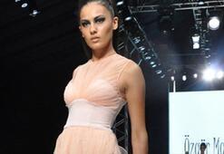 Istanbul Fashion Week Ağustos 2010 - 3. Gün | Özgür Masur Defilesi ve Backstagei
