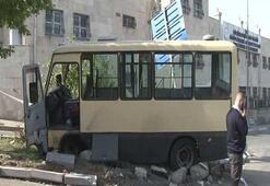Sefaköyde yolcu minibüsü kaza yaptı: Yaralılar var