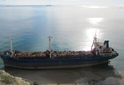 Bozcaada'nın soğan yüklü gemisine partili veda