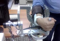 Teşhis koyup, tedavi yapabilen rehabilitasyon robotu üretildi
