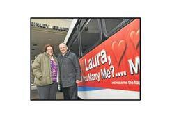 Otobüse ilanla evlilik teklifi