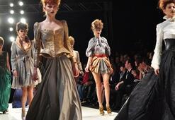 Istanbul Fashion Week Şubat 2011 - KARMA 2