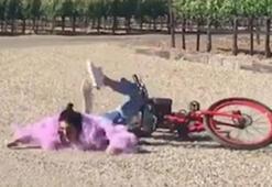 Kendall Jenner yere kapaklandı