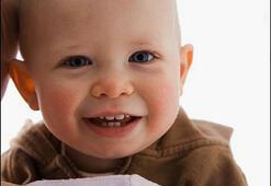 Bebeğinizin dişlerini flor uygulamasıyla güçlendirin