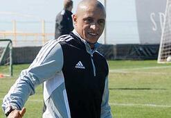 Roberto Carlos: 40-42 yaşına kadar oynamak istiyorum