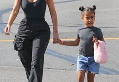 Kim Kardashian ve kızı North West Los Angelesta