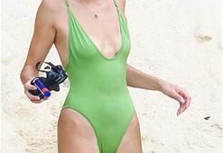 Kendall Jenner tatilde yakalandı