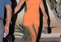 Kourtney Kardashian yemeğe böyle çıktı