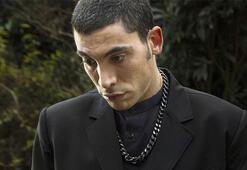 Ünlü şarkıcı Can Bonomoya ölen annesinin hesabından mesaj geldi