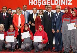 Türkiyenin ilk lisanslı kadın seyisleri mezun oldu