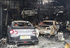 Servet değerindeki otomobiller kül oldu