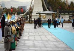 Cumhurbaşkanı  Erdoğan, Mirziyoyevi resmi törenle karşıladı