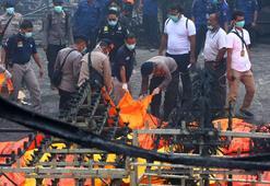Endonezyada patlamada ölü sayısı fırladı