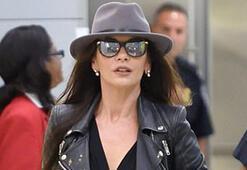 Catherine Zeta-Jones siyahlara büründü