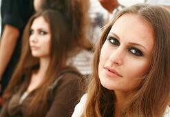 Istanbul Fashion Week Eylül 2011 - Nejla Güvenç Defilesi Backstage Görüntüleri