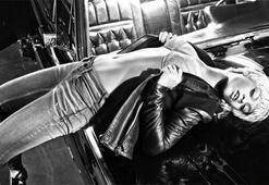 Rihanna -  Emprio Armani