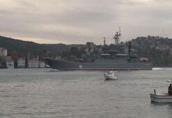Donanma gemileri ziyarete açıldı