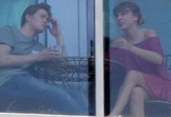 Taylor Swift ile Joe Alwynin balkon sefası
