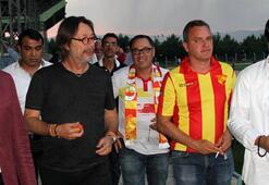 Göztepe Başkanı Sepil, hazırlık maçına özel uçakla geldi