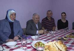 Başbakan Yıldırım'dan Sancaktepe'deki aileye iftar ziyareti