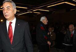 Adnan Polattan muhalefete istifa yanıtı