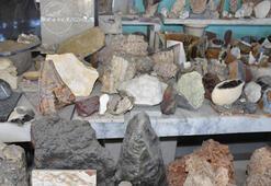 30 yıllık taş koleksiyonu için meraklısını arıyor