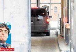 Puigdemont Almanya'da gözaltına alındı...