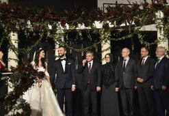 Dr. Ahmet Çetinsaya kızını evlendirdi