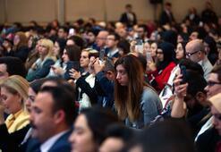 Teknoloji bağımlılığının konuşulduğu kongrede cep telefonları elden düşmedi